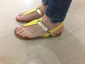 Sandali Color rumeni